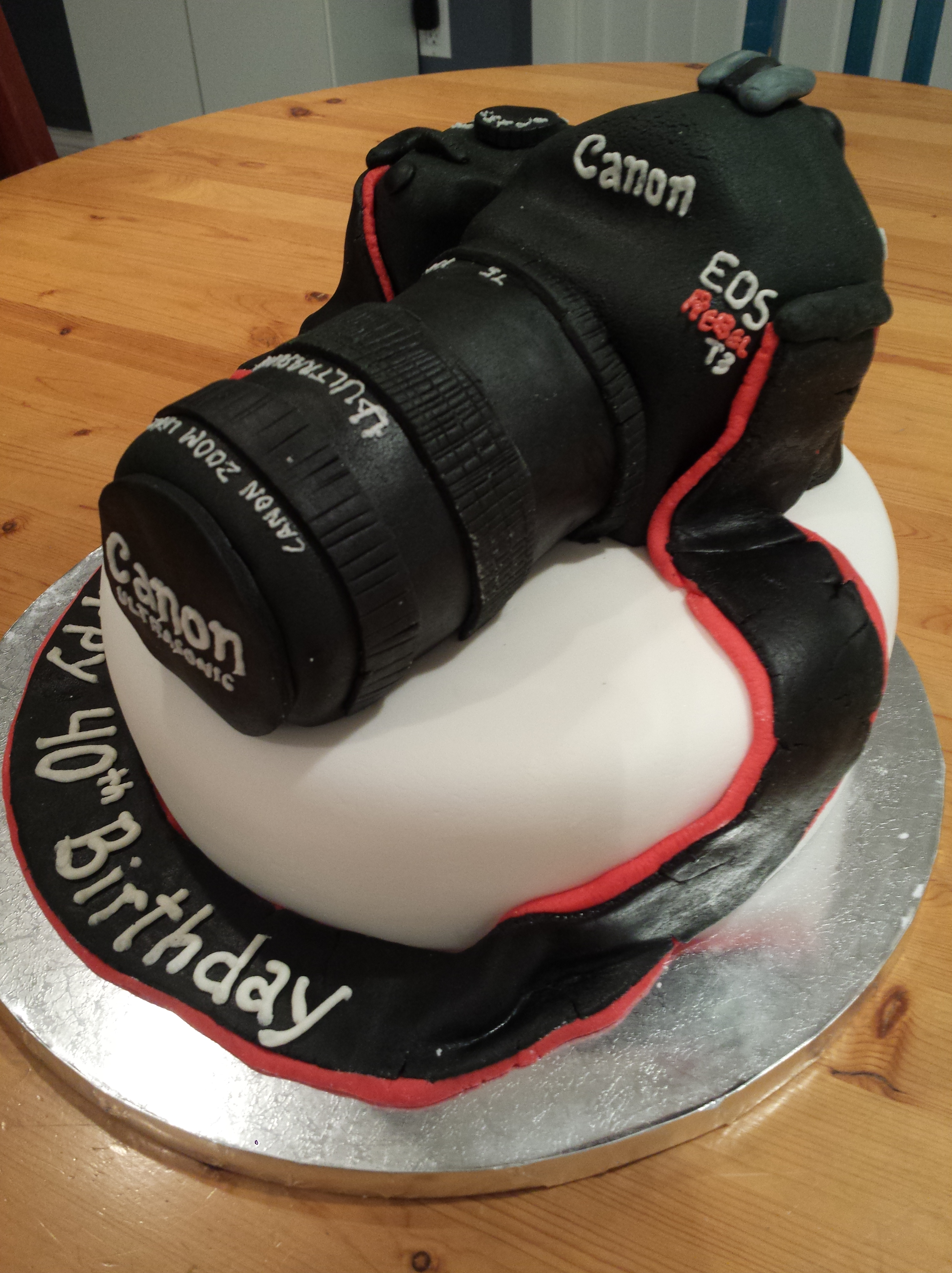 Birthday Cake Images For Camera : canon camera cake   Erica s Edibles