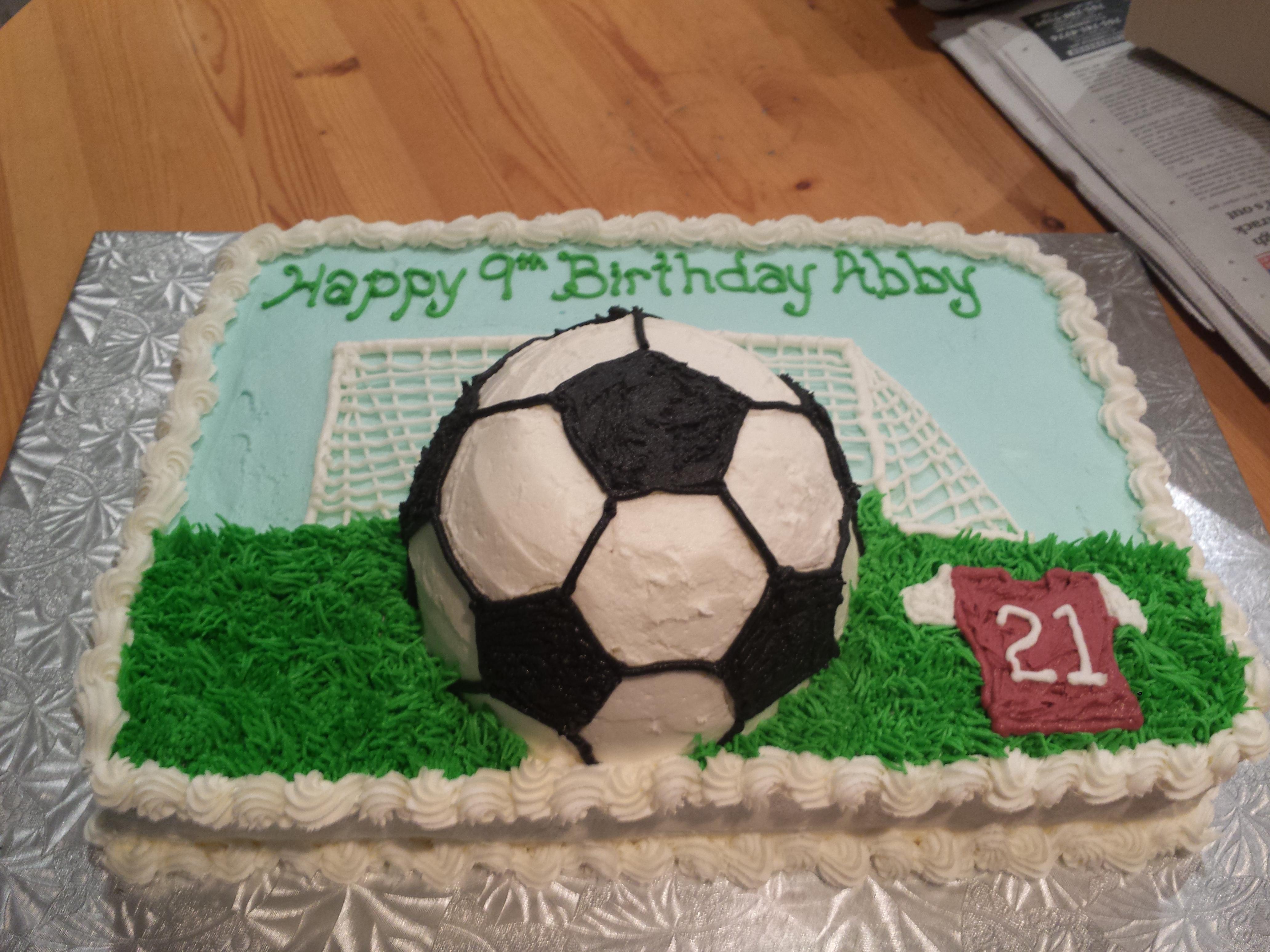 soccer cake Ericas Edibles